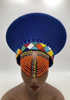 Zulu basket hat made of yarn and straw. South African Tribes, African Hats, African Fashion, Women's Fashion, Zulu Wedding, Headpiece Jewelry, Beaded Jewelry, African Traditions, African Accessories