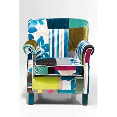 Πολυθρόνα Patchwork Stripes  Εντυπωσιακή πολυθρόνα που συνδυάζει το κλασικό με το μοντέρνο.   €520 New Furniture, Furniture Design, Outdoor Furniture, Kare Design, Deco Design Pas Cher, Cosy Sofa, Furniture Cleaner, Fabric Armchairs, Outdoor Chairs