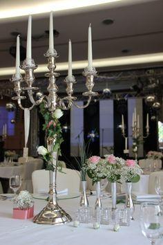 ♥♥♥ Silberner 5 armiger Kerzenständer aus unserem Hochzeitsdeko-Verleih http://www.weddstyle.de/kerzenstaender-mieten.html