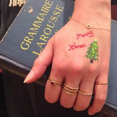 ageteさんはInstagramを利用しています:「Merry Christmas!! みなさま素敵な1日をお過ごし下さいね。 #agete #jewelry #diamond #pearl #ruby #bracelet #ring #christmas #アガット #ジュエリー #ダイヤモンド #パール #ルビー…」