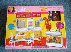 New Barbie McDonald's Fun Time Restaurant Playset - 2001 RARE