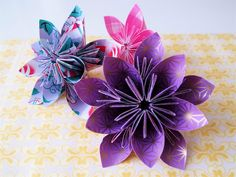 paper flowers, with link to the step-by-step project