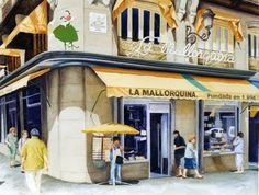 At la Mallorquina, tables at huge windows looking over the Puerta del Sol are highly prized by those looking for an inspirational place to savour flaky ensaïmada pastries and strong coffee.