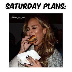 """Goals. @chrissyteigen @humor_me_pink  #hotgirlseating #cheeseburger #chrissyteigen #saturday"""
