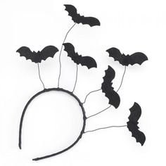 A Big Eyes BAT Antenna Topper Ball. Stick it on your Car antenna,You can top a pencil or pen as well. It comes with a string making it ideal for a cat toy. Halloween Images, Halloween Bats, Halloween 2020, Holidays Halloween, Happy Halloween, Halloween Decorations, Infant Halloween, Diy Costumes, Halloween Costumes