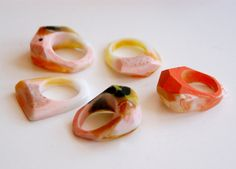 Facetted resin rings