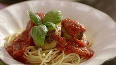 Boulettes à l'italienne | Cuisine futée, parents pressés Quick Recipes, Pork Recipes, Quebec, Fun Pregnancy Announcement, Carb Cycling, Dumpling, Tofu, Parmesan, Pizza
