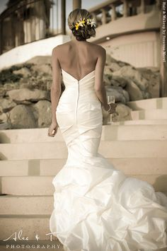 love this wedding dress! #weddingdresses #bridalgowns