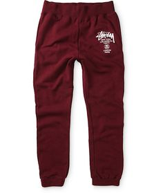 Stay comfortable all day with a soft fleece lining and an elastic adjustable drawstring waist and the iconic Stussy World Tour graphic on the left leg.