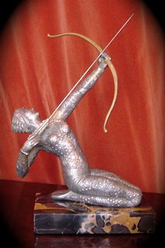 1930s Art Deco statue with bow and arrow - Signed by Limousin