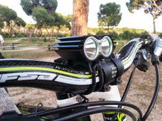 MOUNTAIN BIKE Y MAS: LUZ LED 2xCREE XM-L 2 T6 BICYCLE FLASHLIGHT BIKE
