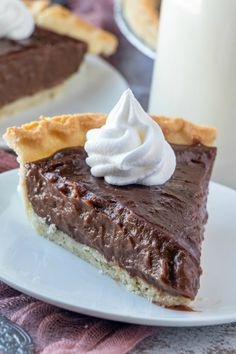 Old Fashioned Chocolate Pie is a rich, creamy chocolate dream. It's made from scratch with only seven ingredients and ready in just minutes. Best Picture For best baking desserts For Your Taste You ar Homemade Chocolate Pie, Chocolate Pie Recipes, Chocolate Pies, Chocolate Meringue Pie, Homemade Pies, Best Chocolate Pie Recipe Ever, Chocolate Pie Recipe From Scratch, Chocolate Pie Filling, Easy Chocolate Desserts