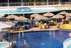 Topsiders bar and grill on the Norwegian Gem