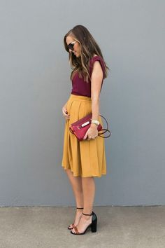 29 Noble und elegante Sommeroutfits - Source by AllesuberFrauenOffic Mustard Yellow Skirts, Mustard Yellow Outfit, Mustard Skirt, Yellow Blouse, Mustard Colored Dress, Mode Outfits, Fall Outfits, Fashion Outfits, Fashion Tips