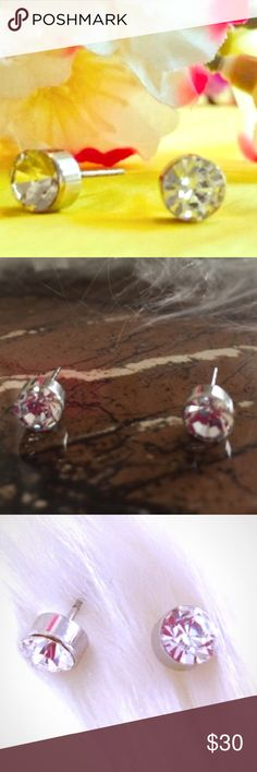 🌷🆕 925 Sterling Silver Round White Sapphire Stud .925 Sterling Silver Round White Sapphire Studs. Classic Simple And Sparkly!!! Pierced Ears With Butterfly Backing. Great For Sensitive Ears. Brand New Boutique Item In Packaging And Mesh Bag. Boutique Jewelry Earrings