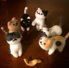 needle felted neko atsume kitties Yes, we are still overly obsessed with Neko Atsume and have found Instagram user Yuyoyuyo making adorable felt models of the kitties. WANT!