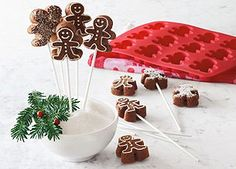 Shop Sur La Table for the finest cookware, dinnerware, cutlery, kitchen electrics, bakeware and more. Christmas Cake Pops, Christmas Candy, Christmas Time, Christmas Foods, Holiday Treats, Holiday Recipes, Holiday Cakes, Christmas Recipes, Cake Pop Molds