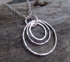 Concentric circles necklace / Hand forged silver circles necklace / Handmade, simple, geometric jewelry