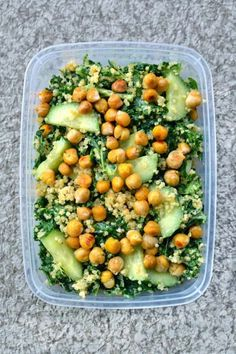 Famous Vegan Kale Salad Looking for delicious and high-protein vegan recipes you can make at home? Check out this 101 roundup of high-protein vegan recipes you need to try! High Protein Vegetarian Recipes, Vegan Recipes Beginner, Vegan Lunch Recipes, Vegan Meal Prep, Healthy Recipes, Protein Foods, High Protein Meals, Vegetarian Cookbook, Paleo Vegan