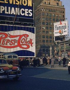 fuckyeahvintage-retro:  New York City, 1952 © Walker Evans