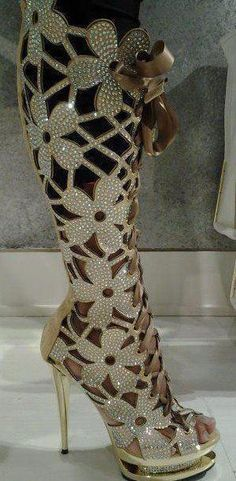 Wow.  Impressive boot.  Not to be worn, but to be admired.  Art.