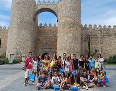 Programas en medio rural. Grupo de jóvenes en su visita a Ávila.
