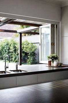 100 Beautiful Kitchen Window Design Ideas 81 – Home Design Patio Interior, Best Interior, Kitchen Interior, Interior Design, Modern Interior, Kitchen Design Open, Open Kitchen, Kitchen Pass, Kitchen Sinks