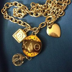 theta sparkle & shine <>~~~~ William And Mary, Kappa Alpha Theta, Faith Hope Love, Pansies, Sorority, Black Gold, Greek Life, Kite, Instagram