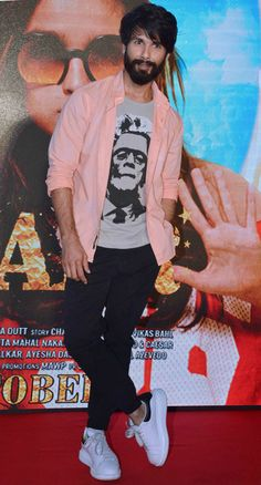 Shahid Kapoor at the launch of a song from #Shaandaar. #Bollywood #Fashion #Style #Handsome