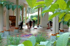 Top 10 Yoga Retreats Around the World http://www.msn.com/en-us/travel/news/top-10-yoga-retreats-around-the-world/ss-BBi3QT2#image=6 Shreyas Yoga Retreat - India This high-end resort set on 25 pristine acres brings new meaning to luxury, while simultaneously offering some of the best yoga and meditation programs anywhere in the world. The Shreyas Yoga Retreat blends amenities and comforts of a five star hotel with traditional yoga teachings and fusion vegetarian menu.