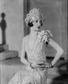 Gertrude Lawrence, 1926. Source: NYPL -vialostsplendor