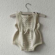 I so wish I could knit something like this for baby!!! Lovely...Classic knit from Shirley Bredal