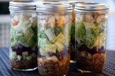 Canning Jar Salads - they stay fresh the whole work week! Make it easy to eat healthy food :)