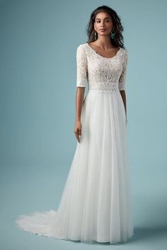 Maggie Sottero Kleider für den Herbst 2019: Grazile Designs für jeden Stil #brautkleid #hochzeitskleid #maggiesottero Soft Wedding Dresses, Scoop Wedding Dress, Maggie Sottero Wedding Dresses, Wedding Dress Pictures, Luxury Wedding Dress, Bridal Dresses, Wedding Gowns, Mormon Wedding Dresses, Wedding Shot