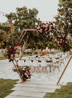 Wedding boho reception ceremony backdrop New Ideas Wedding Ceremony Ideas, Wedding Trends, Wedding Venues, Outdoor Ceremony, Wedding Ceremonies, Wedding Aisles, Backdrop Wedding, Wedding Table, Wedding Church