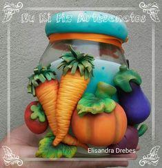 Polymer Clay Sculptures, Polymer Clay Crafts, Diy Clay, Jar Crafts, Bottle Crafts, Diy And Crafts, Bottles And Jars, Mason Jars, Clay Jar