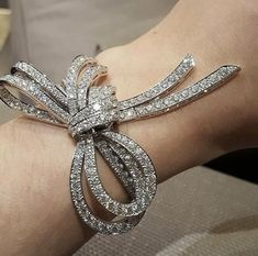 Look at these diamond tennis bracelets ! Bow Jewelry, I Love Jewelry, Gemstone Jewelry, Jewelry Accessories, Fine Jewelry, Jewelry Design, Diamond Bracelets, Sterling Silver Bracelets, Bangle Bracelets