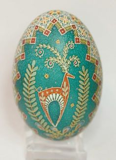 Love this deer design and coloring - a deer represents love, gentleness and kindness Egg Crafts, Easter Crafts, Arts And Crafts, Ukrainian Easter Eggs, Ukrainian Art, Egg Shell Art, Carved Eggs, Easter Egg Designs, Deer Design