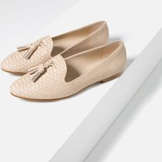 Image 5 of EMBOSSED SLIPPERS from Zara