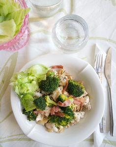 Hämmentäjä: Chicken and broccoli pasta. Kana-parsakaalipasta