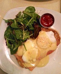 Astoria Sanfords restaurant for the best brunch in NYC