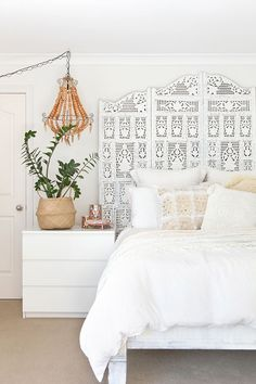 main-white-bedroom - O.M.G!! - HOW INCREDIBLY BEAUTIFUL!! - SO LOVING THIS GORGEOUS ROOM, WITH THE MOST AWESOME BEDHEAD EVER!! ⚜️