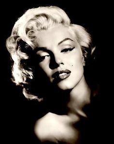 Marilyn Monroe - Classic Beauty....