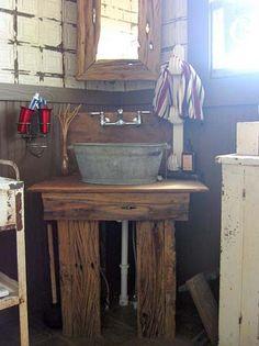 Galvanized bucket sink - love the rustic stand/vanity Wash Tub Sink, Wash Tubs, Primitive Bathrooms, Rustic Bathrooms, Lavabo Vintage, Bucket Sink, Outdoor Sinks, Galvanized Buckets, Metal Buckets