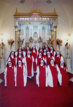 "Sisters of Perpetual Adoration   San Francisco   {The ""real"" nuns.}"