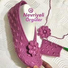Knitting Socks, Knitting Stitches, Hand Knitting, Baby Knitting Patterns, Crochet Patterns, Crochet Shoes, Knit Or Crochet, Sampler Quilts, Knitted Slippers