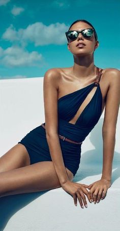 Buy woman swimwear trend 2016 summer, Calvin Klein, Tommy Hilfiger, Moschino, free daily personalizec fashion style advice, how to wear