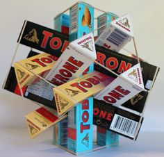 Toblerone is now the best candy since you can make polyhedra with it. Toblerone, Math Art, Fun Math, Science Projects, Diy Projects, Interactive Math Journals, Geometry Problems, Best Candy, Tarts