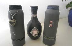 Gesso op glazen flesjes en vaasje en wat leuke frutsels