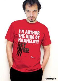 I'm Arthur - The King of Kaamelott.